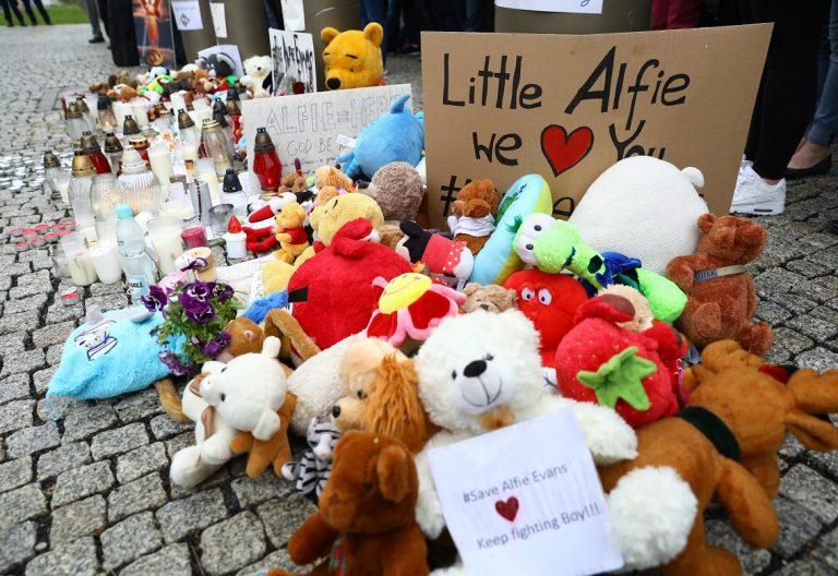 Protestas a favor de los padres del bebé Alfie