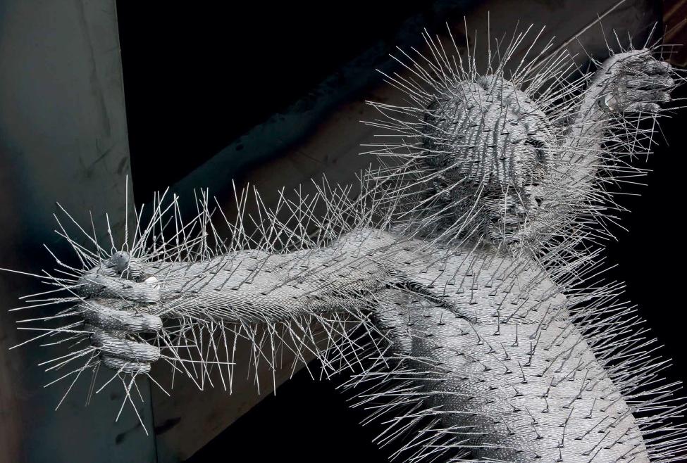Una de las esculturas de David Mach parte del conjunto de Precious Light