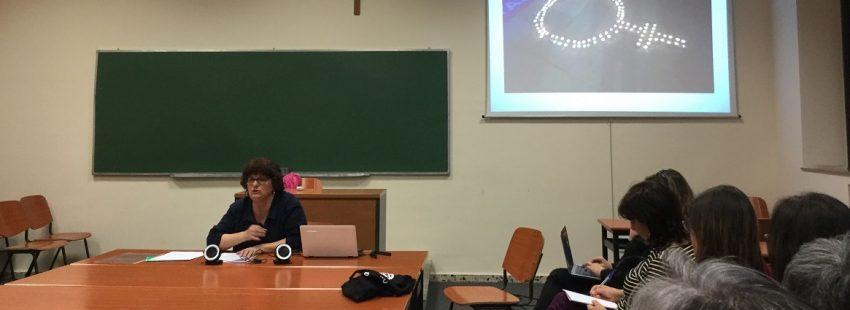 La teóloga y activista Pepa Torres en unas jornadas sobre mujer