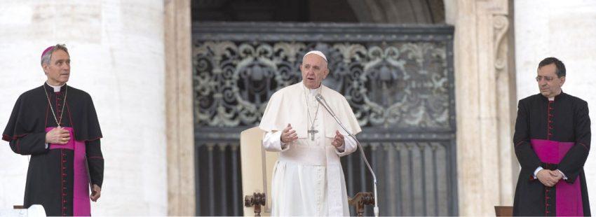 El Papa Francisco imparte una catequesis sobre el bautismo en la audiencia general del 11 de abril de 2018