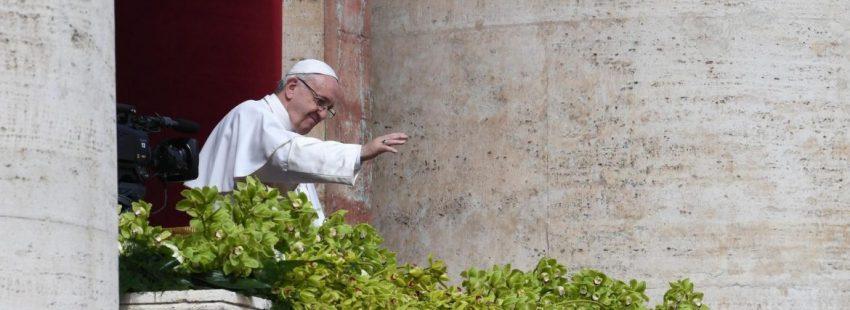 El Papa Francisco, en la bendición Urbi et Orbi de la Pascua de 2018/EFE