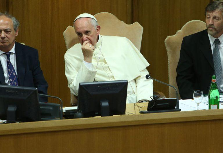 El Papa en un acto de Scholas Occurrentes en el Vaticano hace la tira de años porque no había más reciente pero vamos que el mensaje es el mismo.