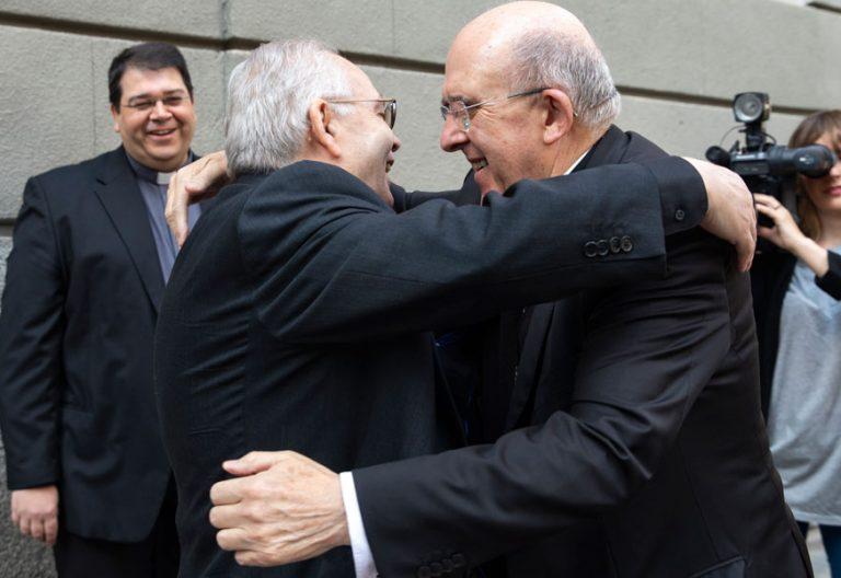 El cardenal claretiano Aquilino Bocos con Carlos Osoro