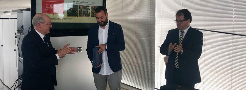 Miguel Ángel Malavia recibe el I Premio de Periodismo Ángel Herrera Oria