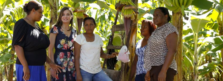 La Reina Letizia visita los trabajos que Cáritas España y otras ONG llevan a cabo en Rapública Dominicana