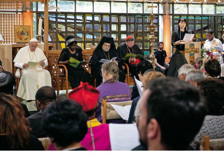 El papa Francisco con diversos líderes religiosos en Ginebra