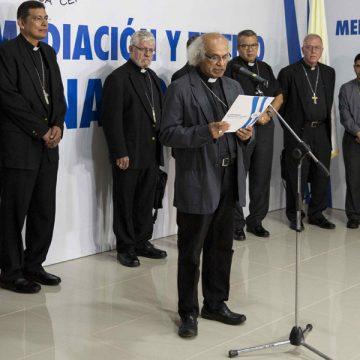 el cardenal brenes hablando con el resto de obispos de nicaragua tras ver al presidente ortega
