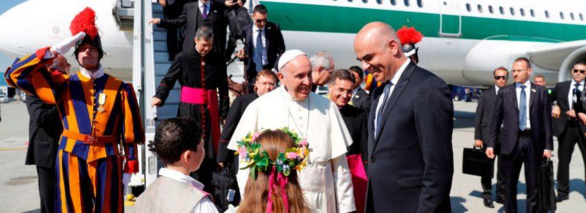 Francisco en su llegada a Ginebra 21 junio 2018