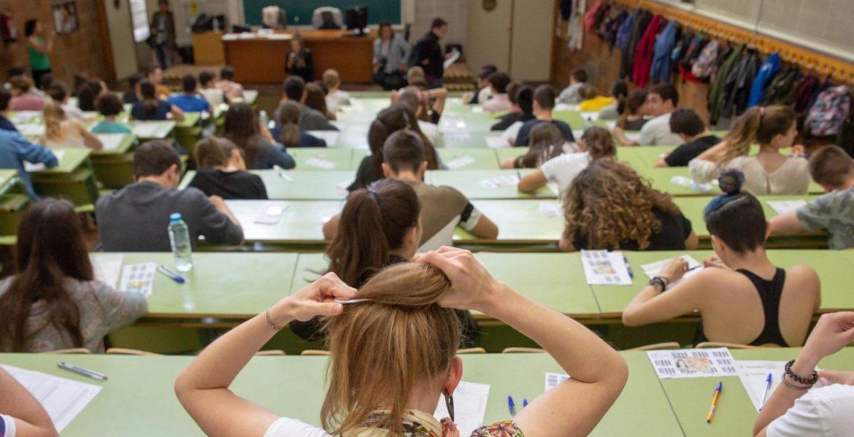 Estudiantes de Zaragoza en el examen de selectividad 2018/EFE