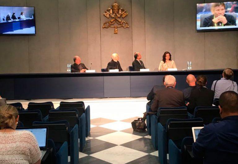 El cardenal Lorenzo Baldisseri presenta el documento preparatorio para el Sínodo Panamazónico