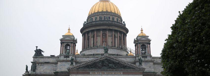 Catedral ortodoxa de san Isaac en San petersburgo Rusia