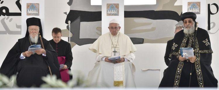 El papa Francisco, en la oración ecuménica en Bari con las Iglesias de Oriente Medio