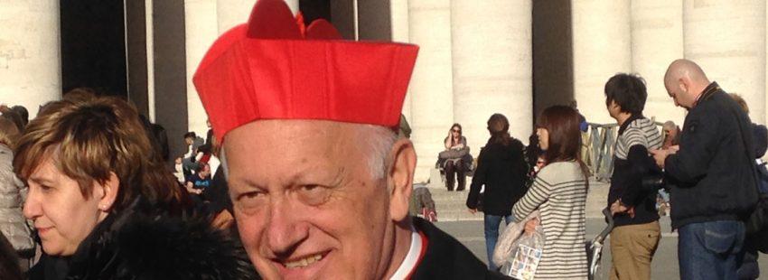 el cardenal ezzati en la plaza de san pedro