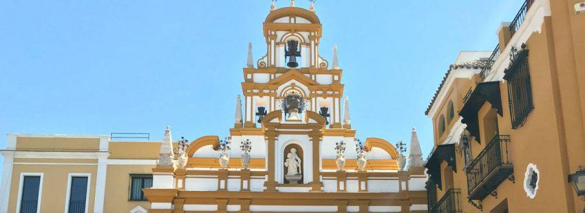 Fachada de la Basílica de Santa María de la Esperanza Macarena en Sevilla