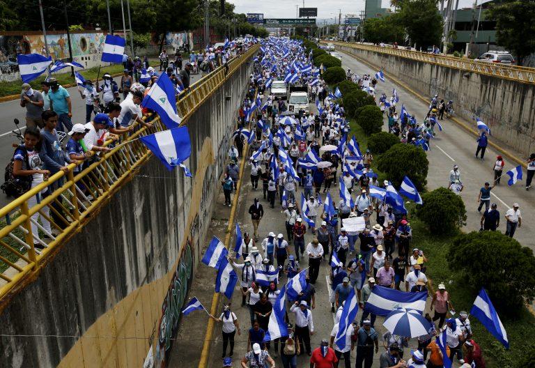 Manifestación en nicaragua contra el gobierno sandinista de daniel ortega