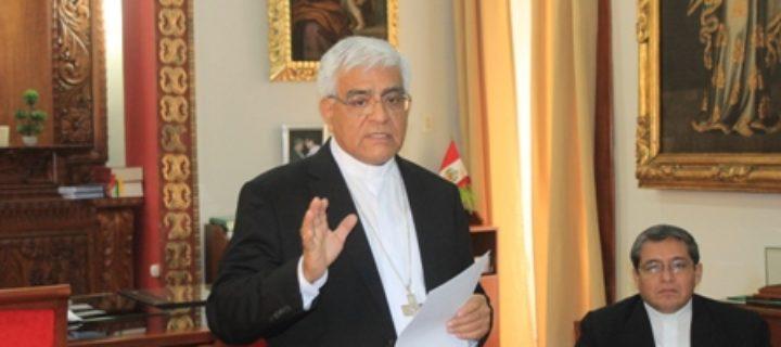 Arzobispo de Trujillo perú miguel cabrejos presidente d ela conferencia episcopal de peru