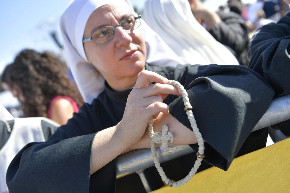 Una religiosa durante la eucaristía en el Foro Itálico el 15 de septiembre de 2018