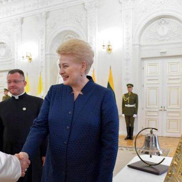 El Papa, con la presidenta de Lituania, Dalia Grybauskaite