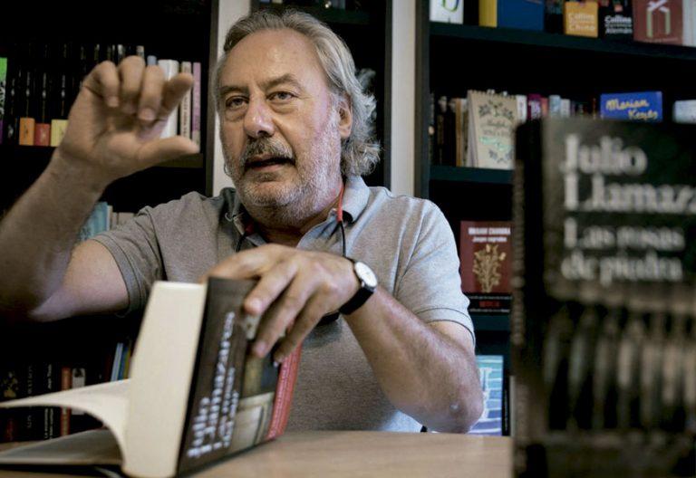 El escritor Julio Llamazares