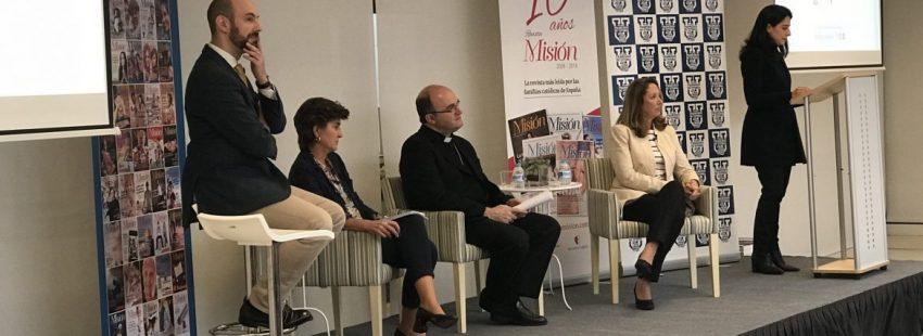 María San Gil, José Ignacio Munilla y María Lacalle, en el aniversario de la revista Misión