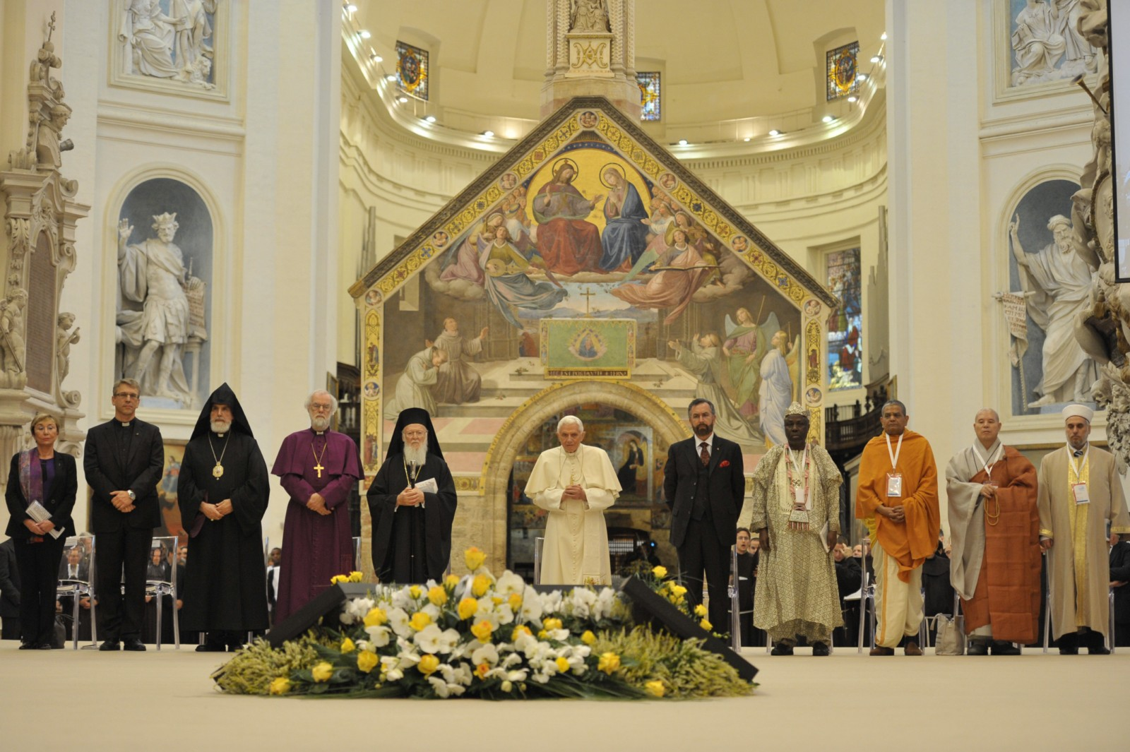 -SS. Benedetto XVI- Assisi 27-10-2011