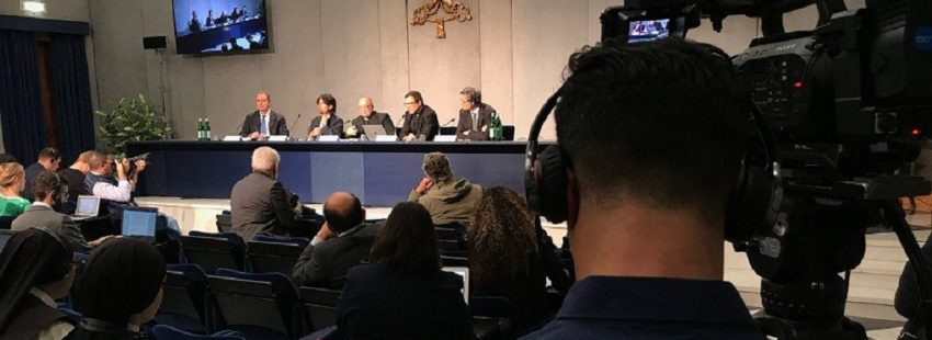 Briefing prensa 8 de octubre Sínodo de los Jóvenes