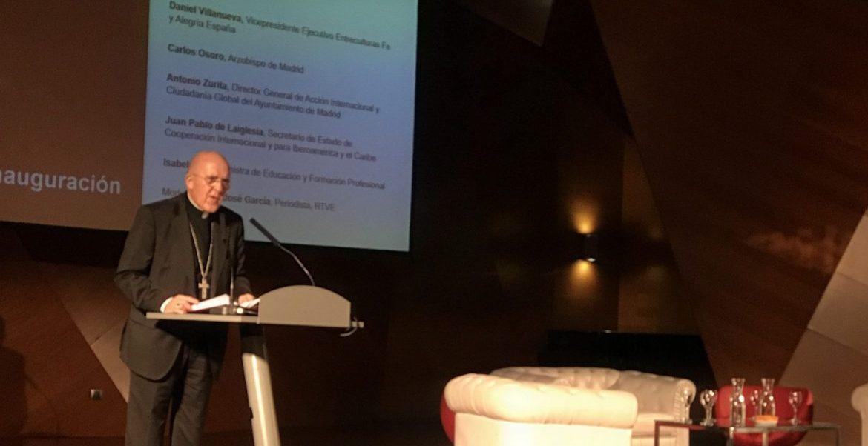 El cardenal arzobispo de Madrid, Carlos Osoro, en el congreso de Fe y Alegría en Madrid