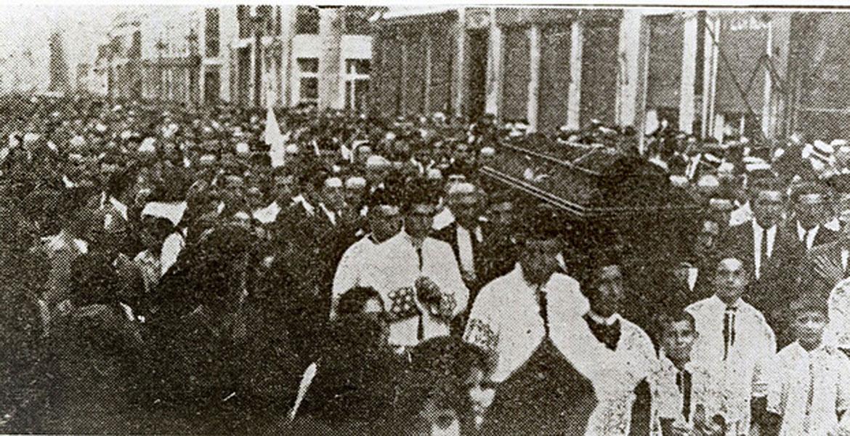 Entierro del P. Tiburcio Arnaiz en Málaga en 1926