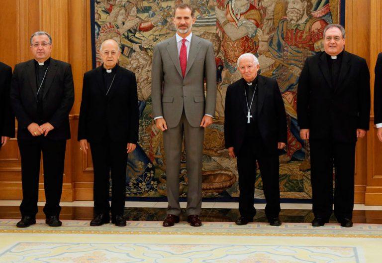 El Rey Felipe VI con la cúpula de la Conferencia Episcopal Española