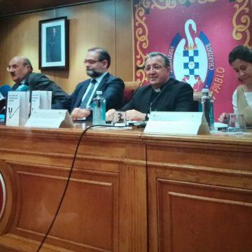 gines garcia beltran presenta libro ceu'Los retos de los comunicadores cristianos' 16 octubre 2018