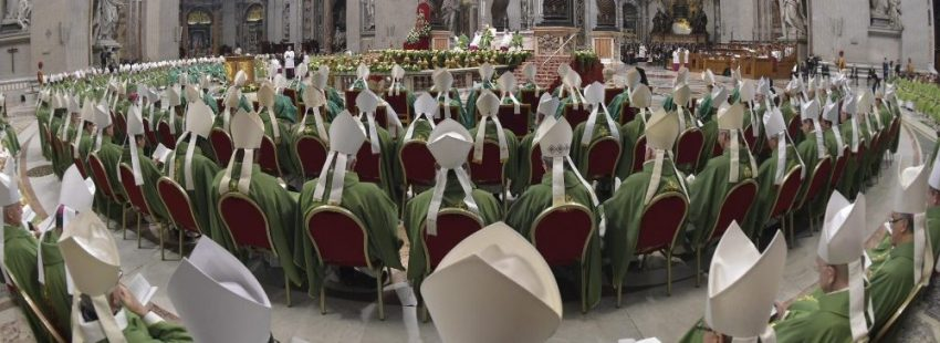 Los padres sinodales en la misa de clausura del Sïnodo sobre los jóvenes