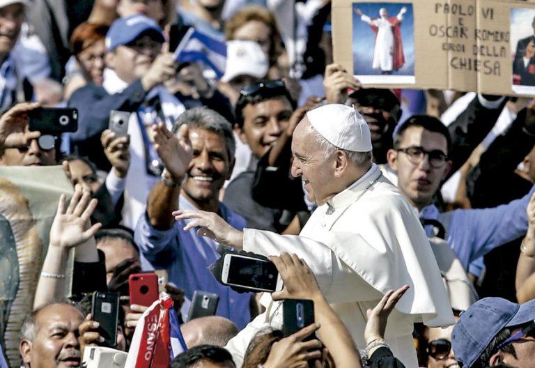 El papa Francisco, canonización Pablo VI y Romero