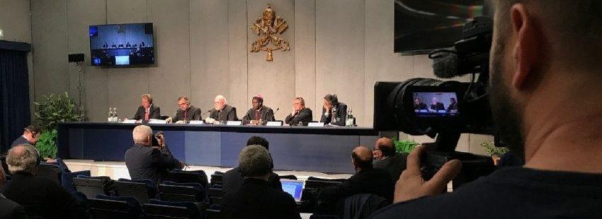 Briefing prensa vaticano sobre el sinodo de los obispos 24 de octubre de 2018