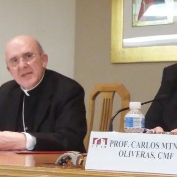 El cardenal Carlos Osoro imparte una conferencia sobre el Sínodo de los Jóvenes el 15 de noviembre de 2018 en el salón de actos del ITVR de Madrid