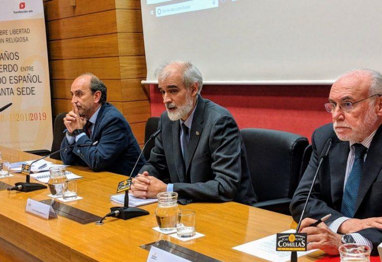 El rector de la Universidad Pontificia de Comillas, Julio Martínez, y el presidente de SM, José María Felices.