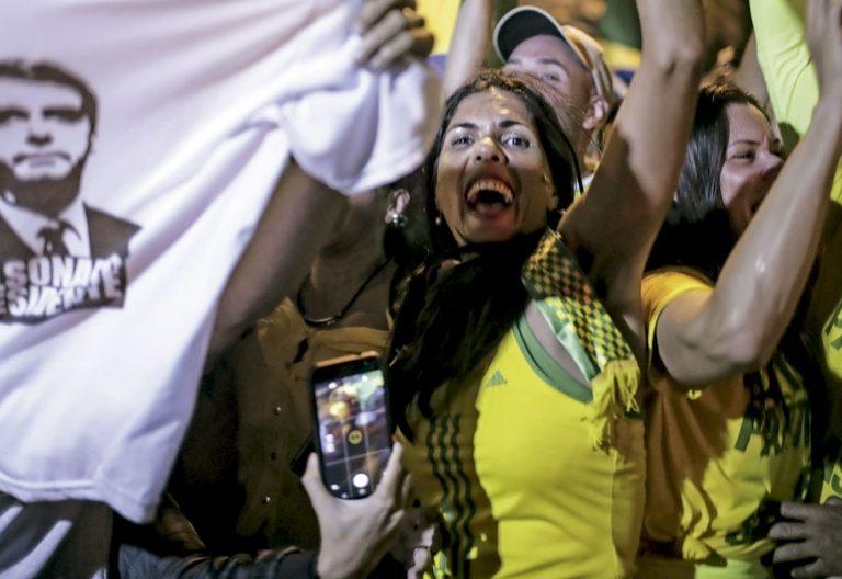 Bolsonaro gana las elecciones en Brasil, lo celebran sus simpatizantes