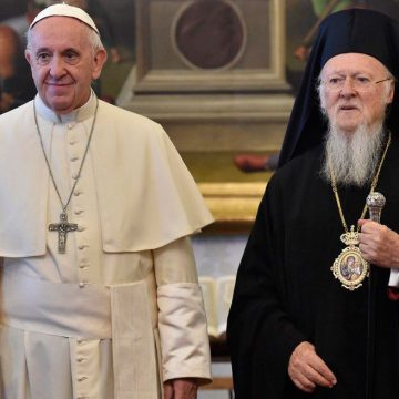 El papa Francisco, en una audiencia con el patriarca de Constantinopla, Bartolomé I