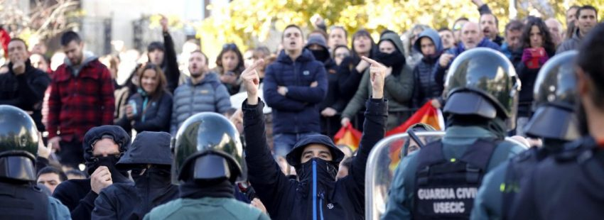 La Guardia Civil frena una protesta de la izquierda abertzale en Alsasua/EFE