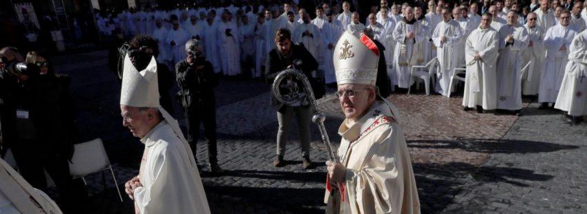 El cardenal arzobispo de Madrid, Carlos Osoro, en la misa de la Virgen de la Almudena de 2018/EFE