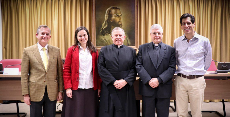 Los máximos responsables de Regnum Christi, durante la Asamblea General, con Eduardo Robles-Gil en el centro