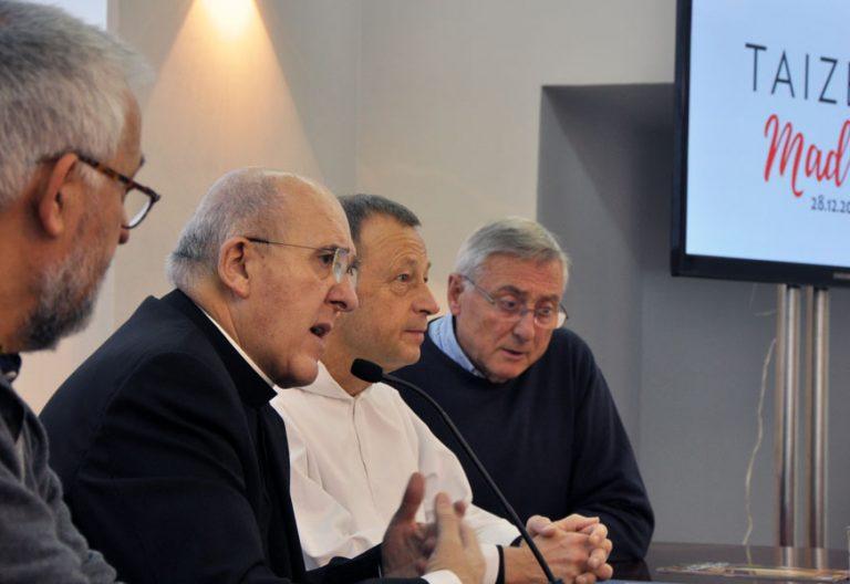 El cardenal Carlos Osoro y el hermano Alois durante la presentación del Encuerntro Europeo de Jóvenes en Madrid, el 26 de diciembre de 2018