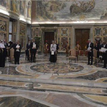 audiencia francisco con los 10 nuevos embajadores ante la santa sede