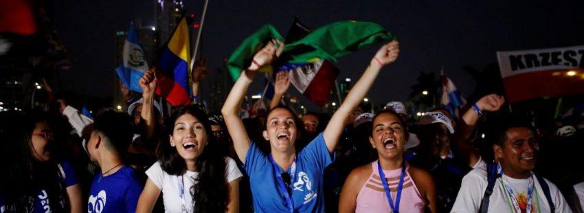 Jóvenes brasileños durante la misa de apertura de la JMJ de Panamá/EFE