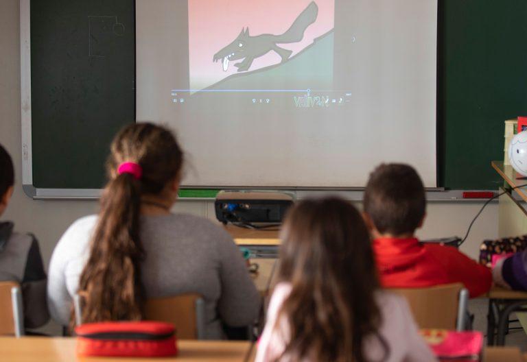 clase aula colegio