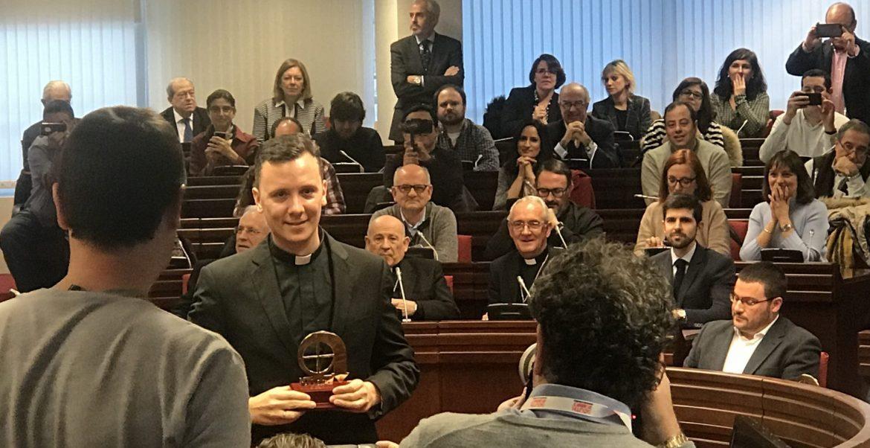 Dani Pajuelo recoge el Premio Bravo