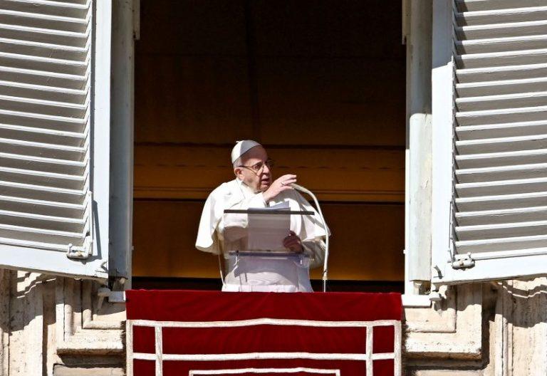 El papa Franciaco durante el rezo del ángelus, el 13 de enero de 2019, Fiesta del Bautismo de Señor
