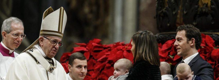 El Papa Francisco preside la misa de la Epifanía en la basílica de San Pedro/EFE