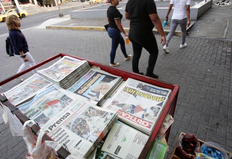 Los periódicos de Panamá el día de la llegada del Papa