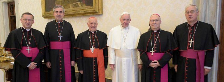 El papa Francisco con la ejecutiva de la Conferencia Episcopal de Chile