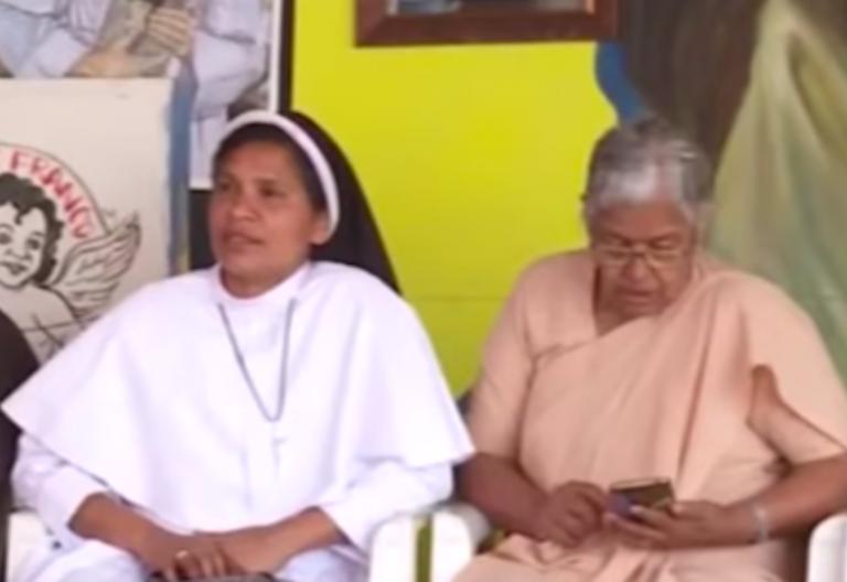hermana lucy kalapur en una protesta por la violacion de una religiosa en la india